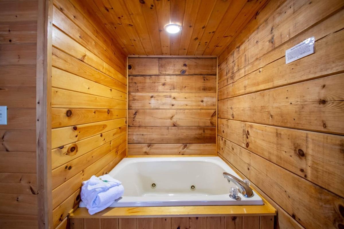 Whirlpool tub in main bedroom.