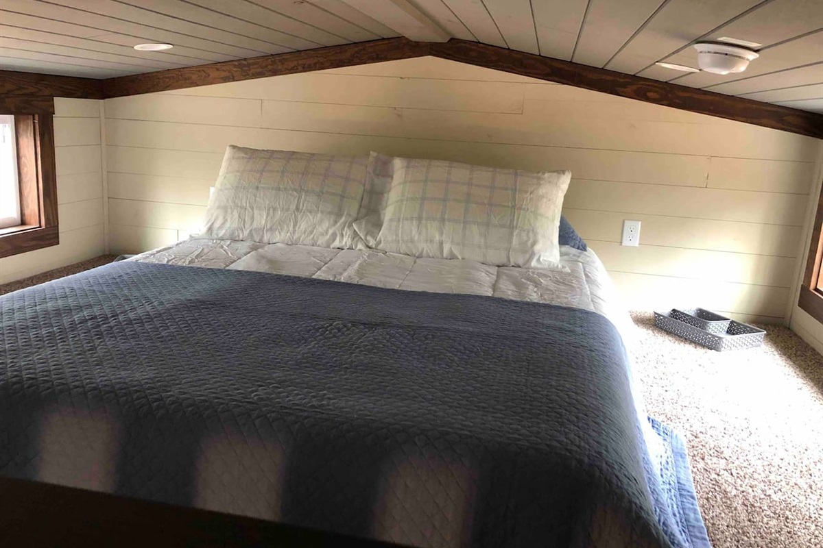 Loft With Queen Size Bed With Windows With A Beautiful View