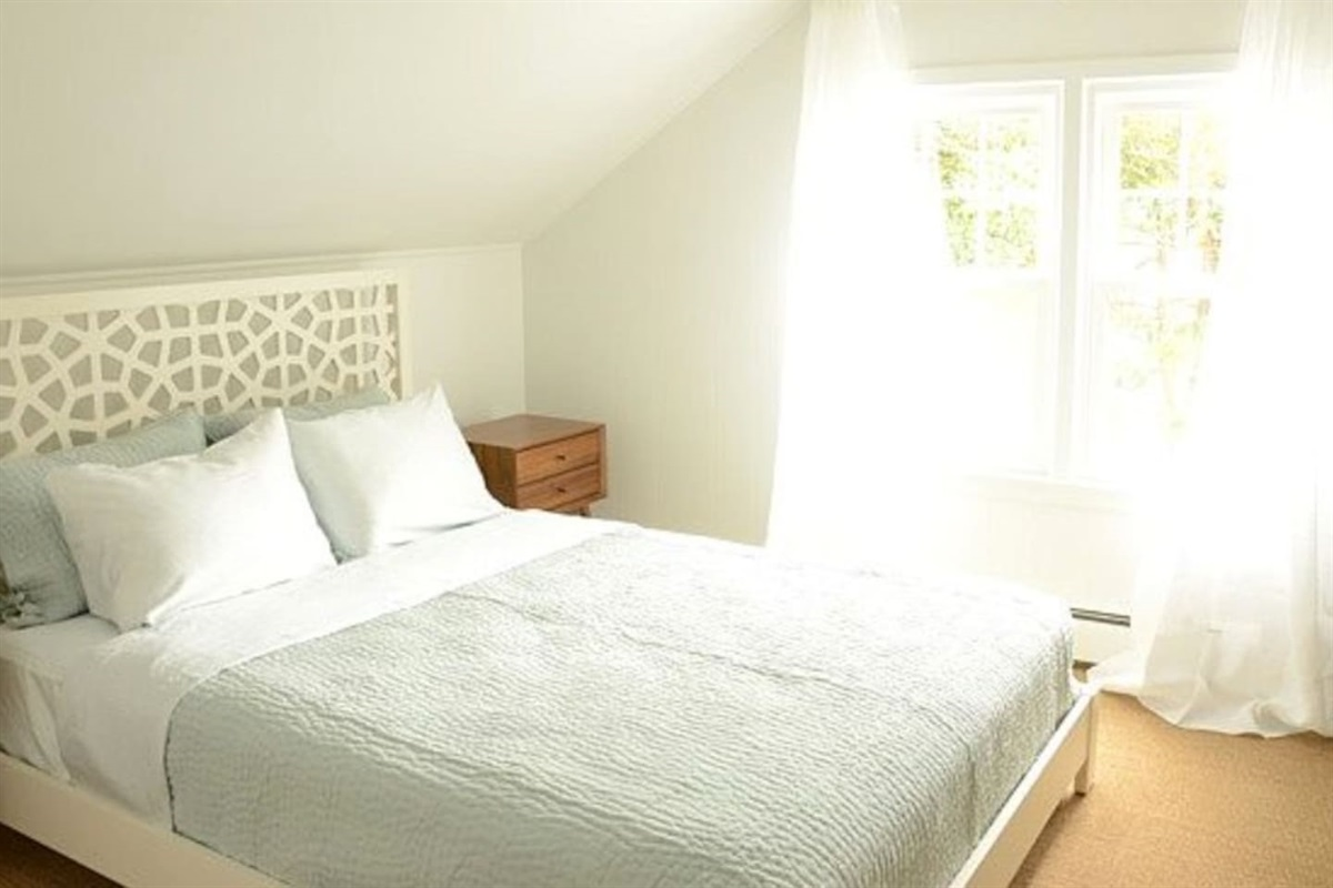 2nd Bight & Airy Bedroom