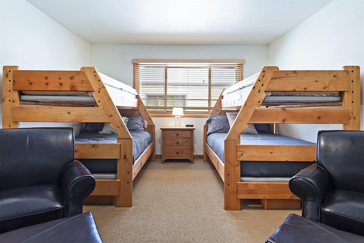 Bedroom 4 - two queen/twin bunk beds