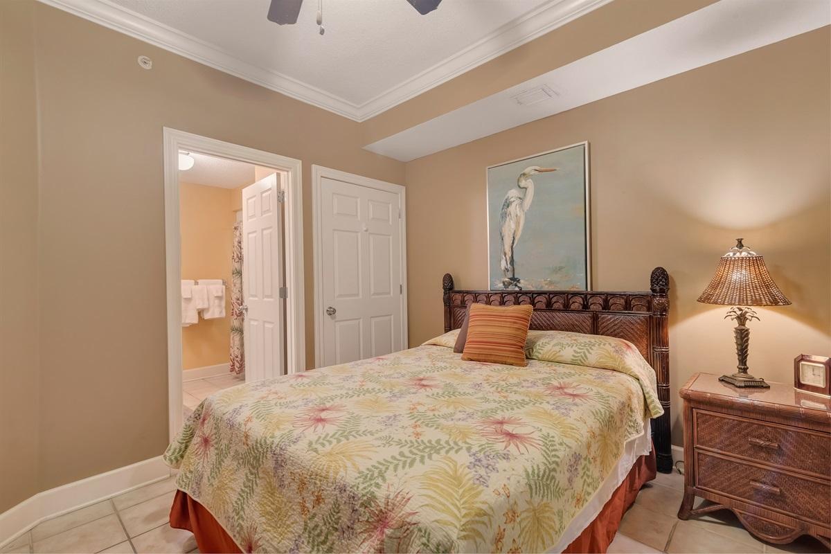 Guest Bedroom's Bath