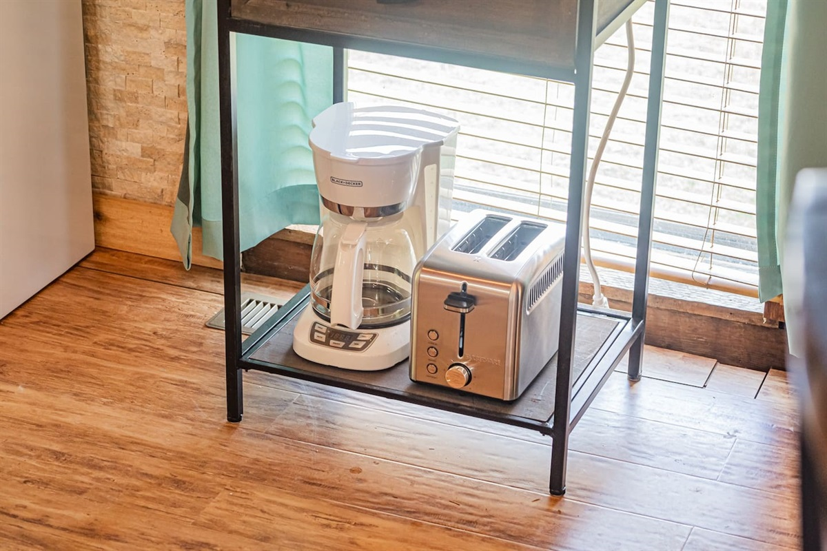 Coffee maker + toaster