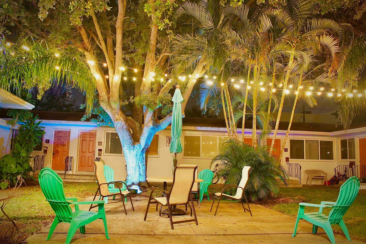 """""""Danielle's place was great for my boyfriend and I to stay at during our vacation in Hollywood, Florida. It felt like a home, away from home."""" ~CM, Toronto"""