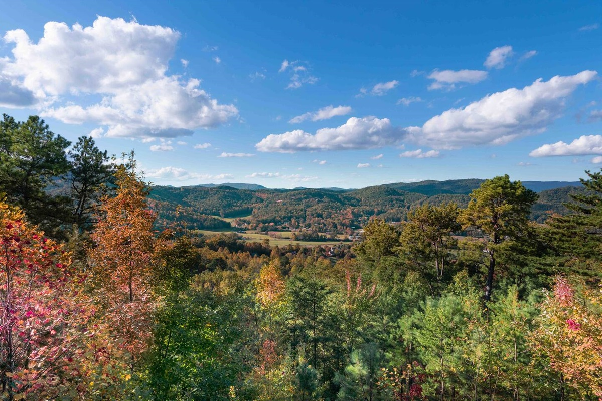 Gorgeous views from Emerald View Retreat