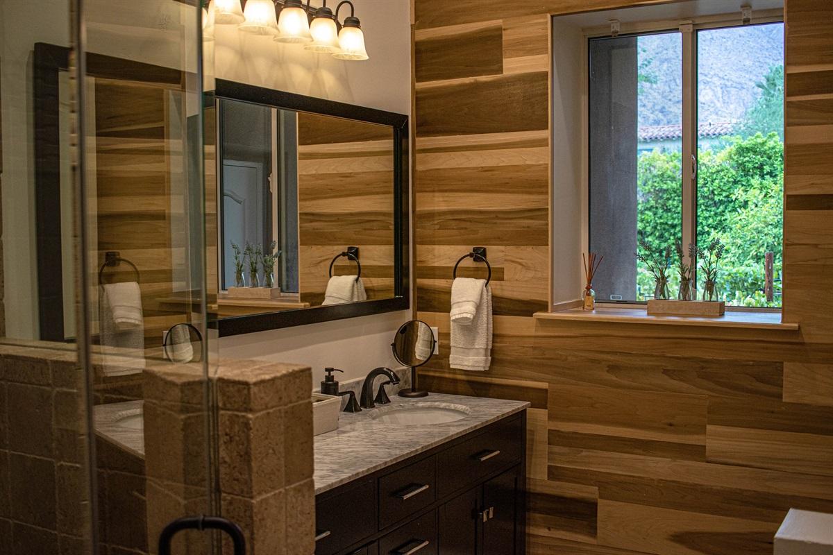 1st Guest bedroom  ensuite bathroom