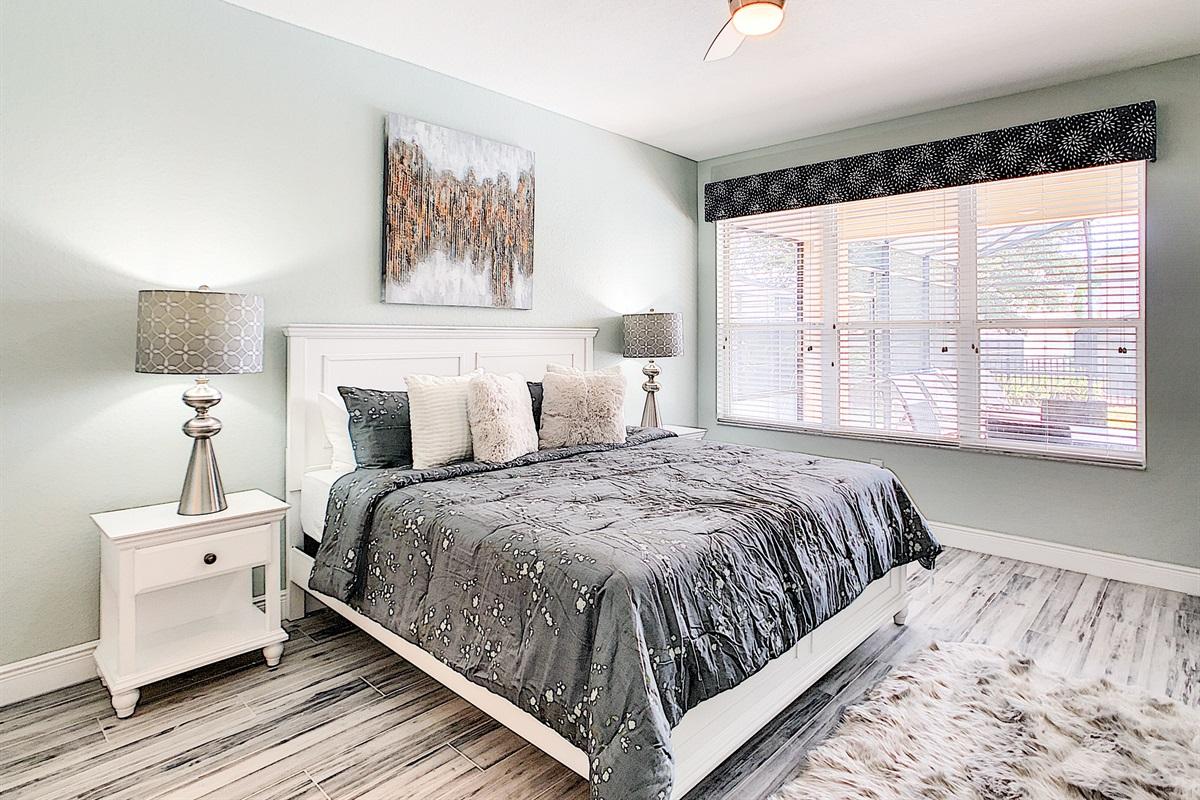 Master Bedroom (King-1st Floor)