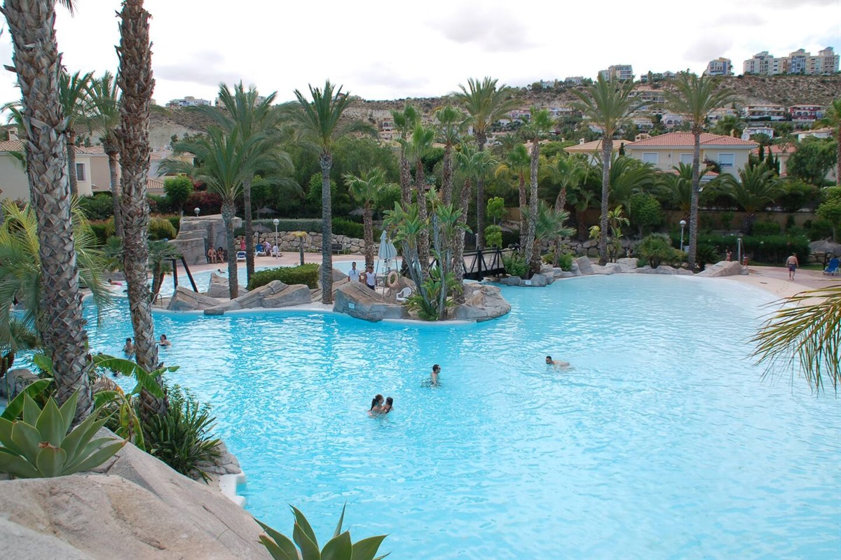 Swimming paradise at 100 meters walking distance from the house