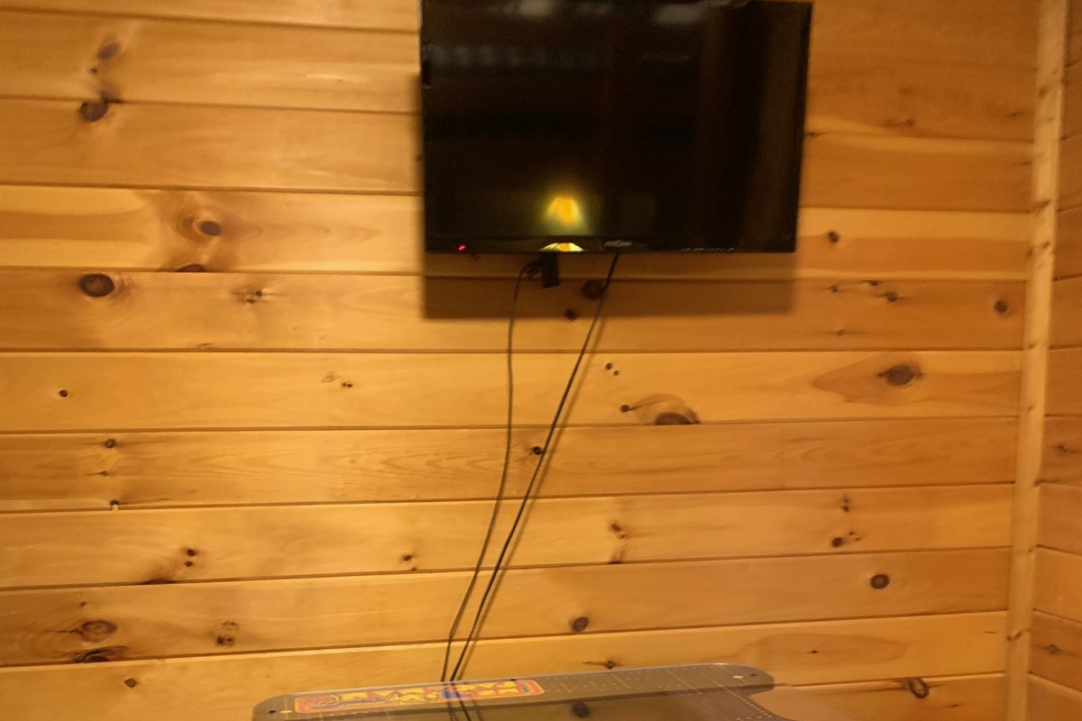 Arcade Game & TV in Bunk Room
