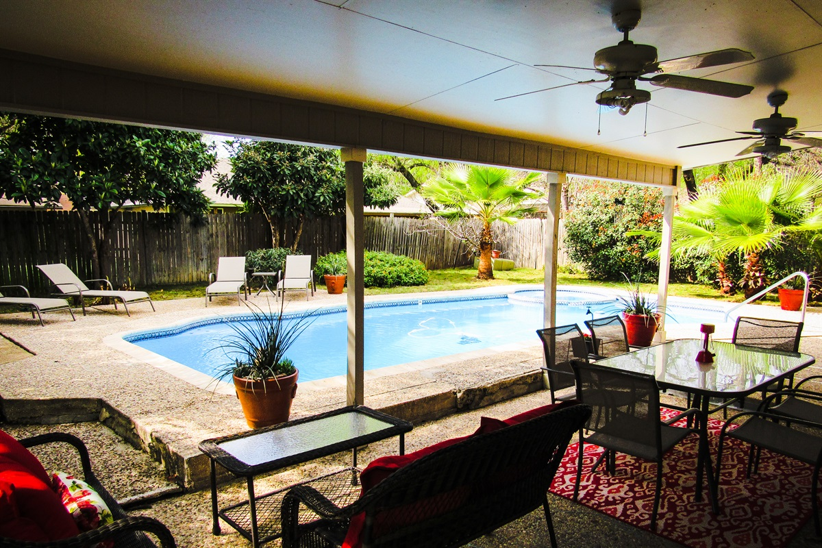 Backyard Tropical Oasis w/ pool, hot tub, and tons of outdoor living space.
