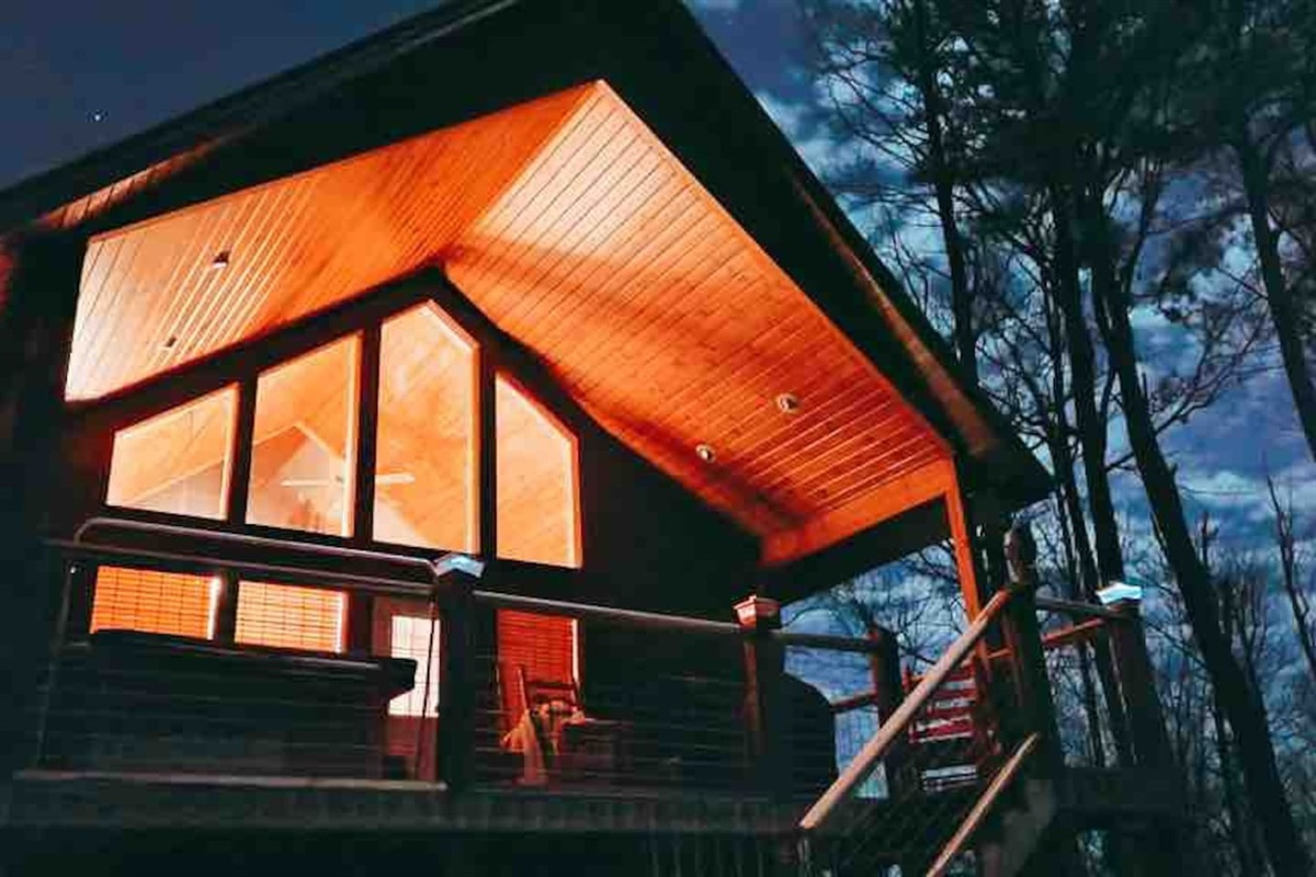 Night time at the cabin. Taken by guest Mike (Jan 2021)