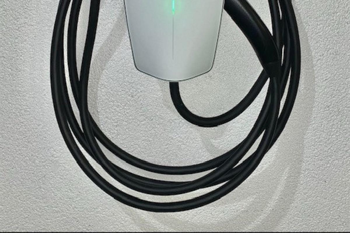 Tesla Gen 3 charger