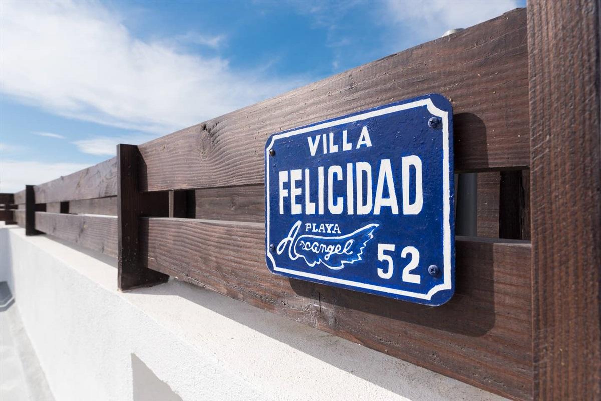 Villa Felicidad #52