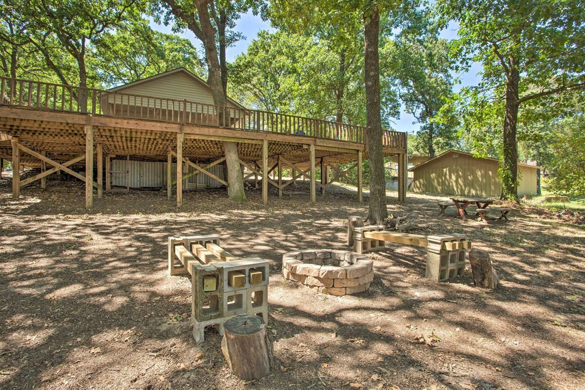Bring your firewood to enjoy an evening under the stars by the firepit.