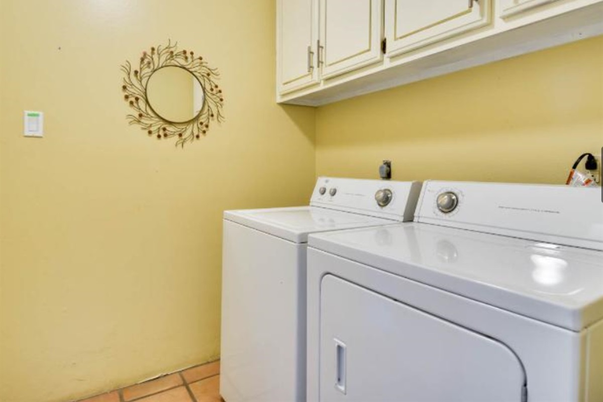 Laundry room (washer & dryer).