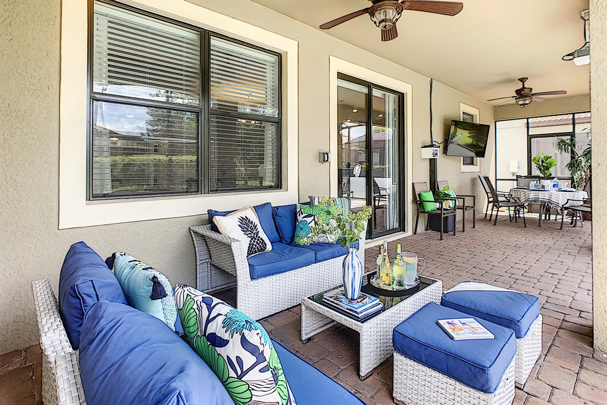 Plenty of Seating under the Covered Lanai