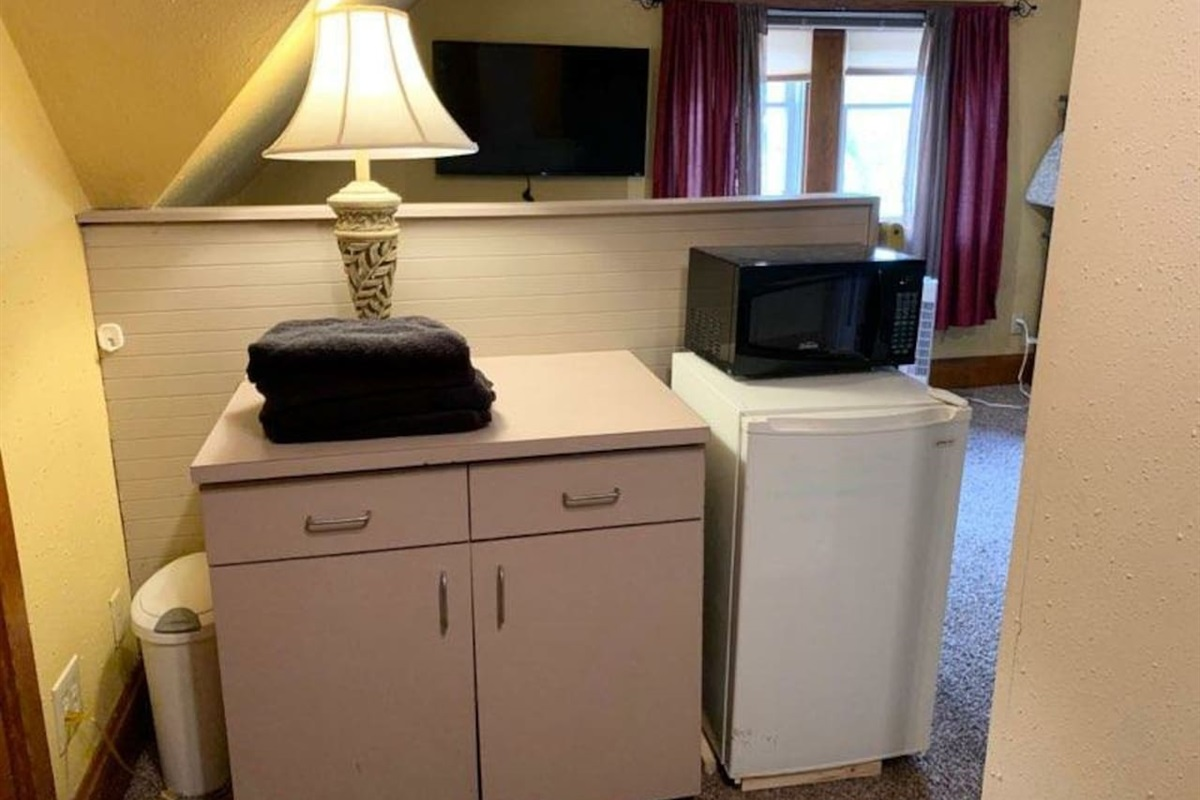3rd Floor East Loft Suite - Kitchenette, Refrigerator, Microwave, Basic Dishes, Storage, and Closet