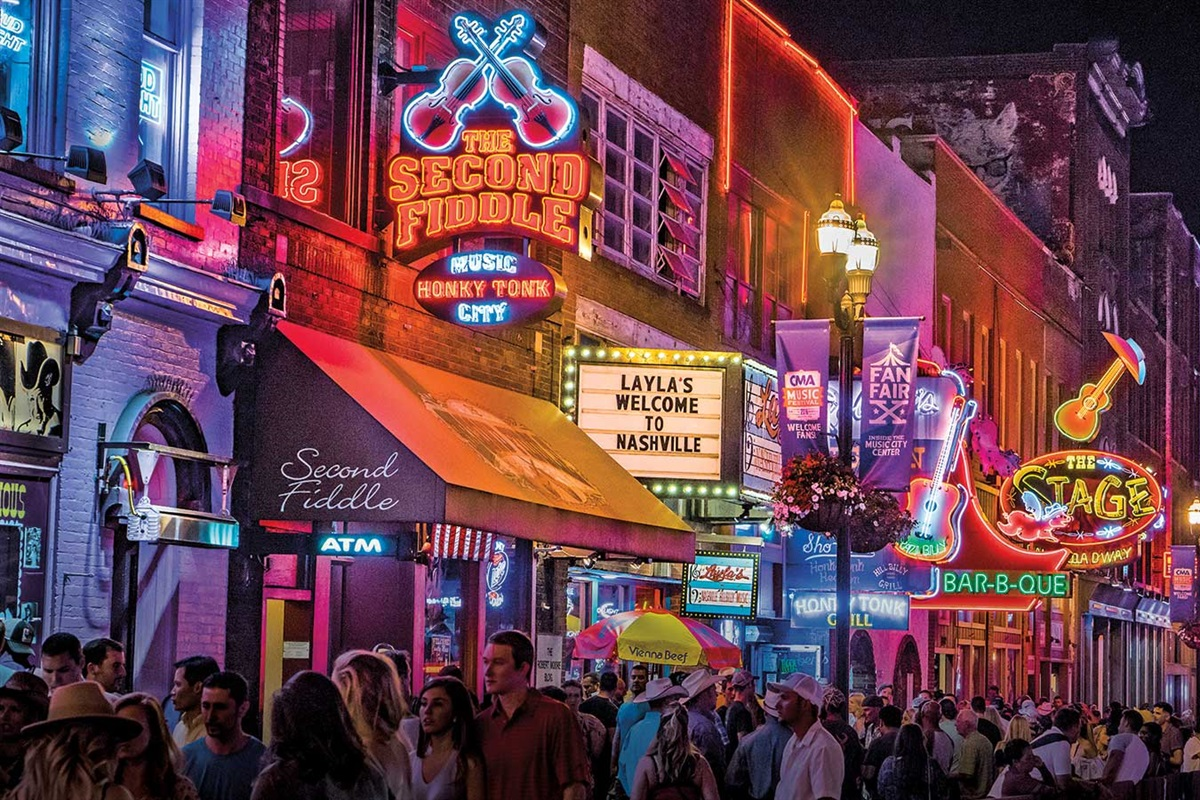 5 minutes from the Honky Tonk bars on Broadway!