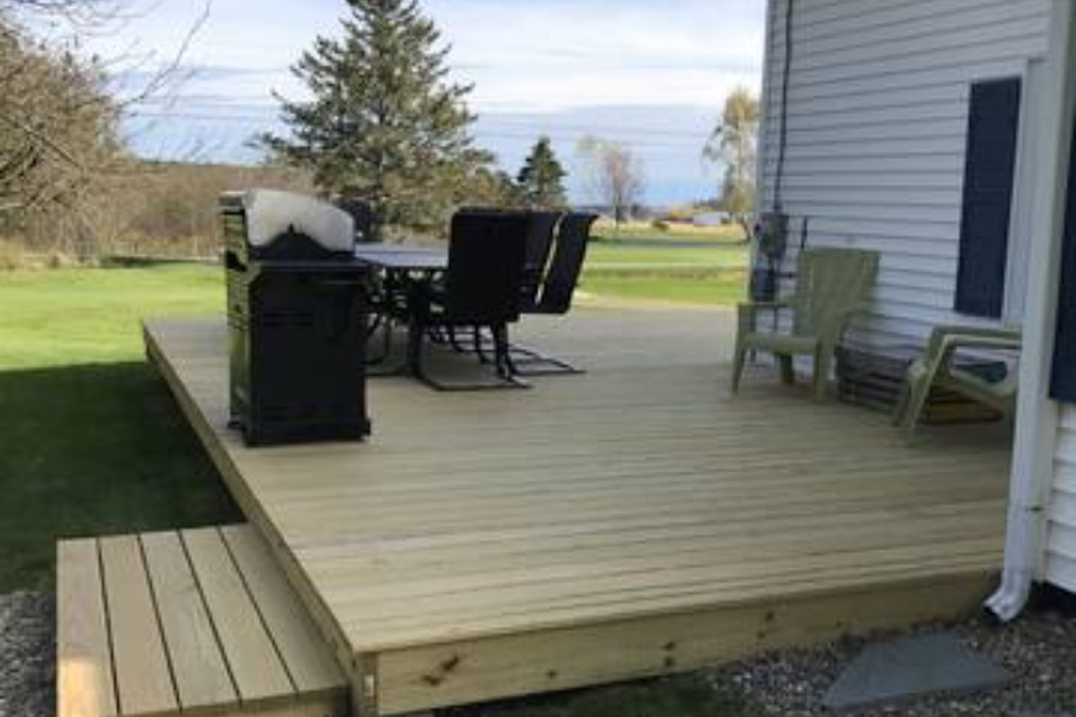 Large water view deck w/ grill