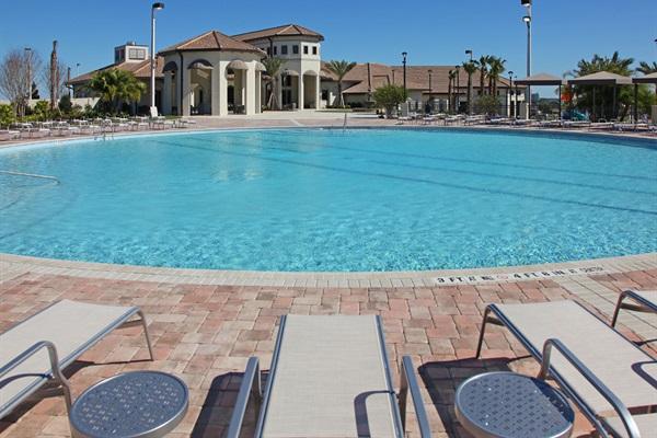 Adult Zero Entry Pool