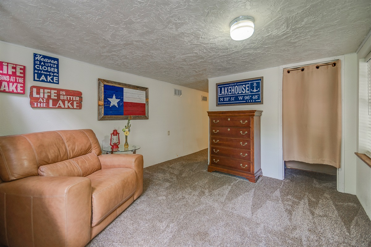 Downstairs foyer w/ closet for your fishing poles!