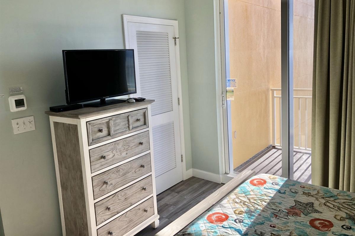Flat screen tv in lockout bedroom