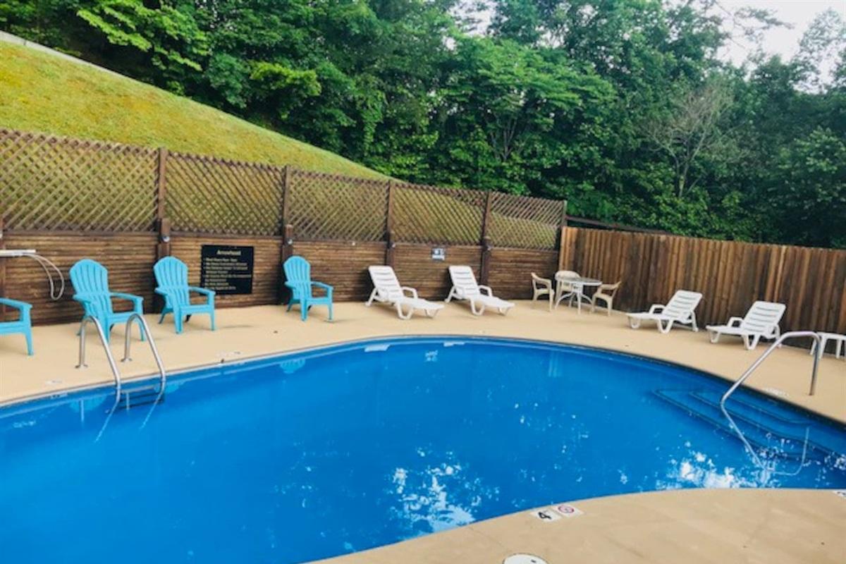 Community pool, open seasonally