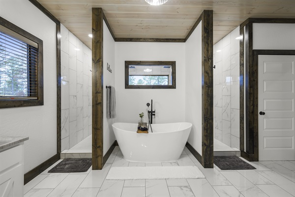 Master bathroom suite - oversized soaking bathtub