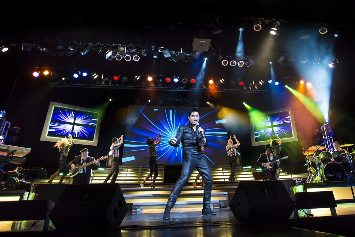 Of course, Branson's live entertainment is the #1 thing to see! (BCVB)