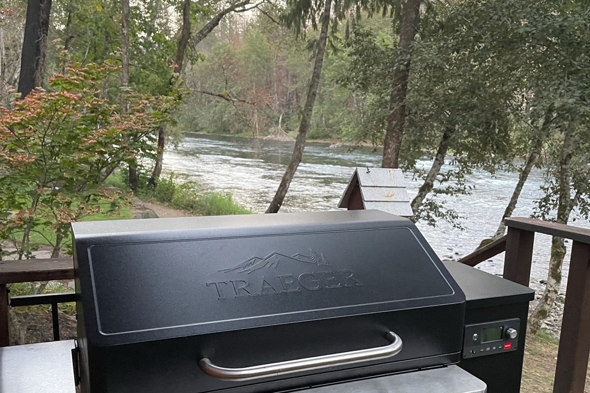 Love to BBQ? Brand new Treager to cook with amazing views.