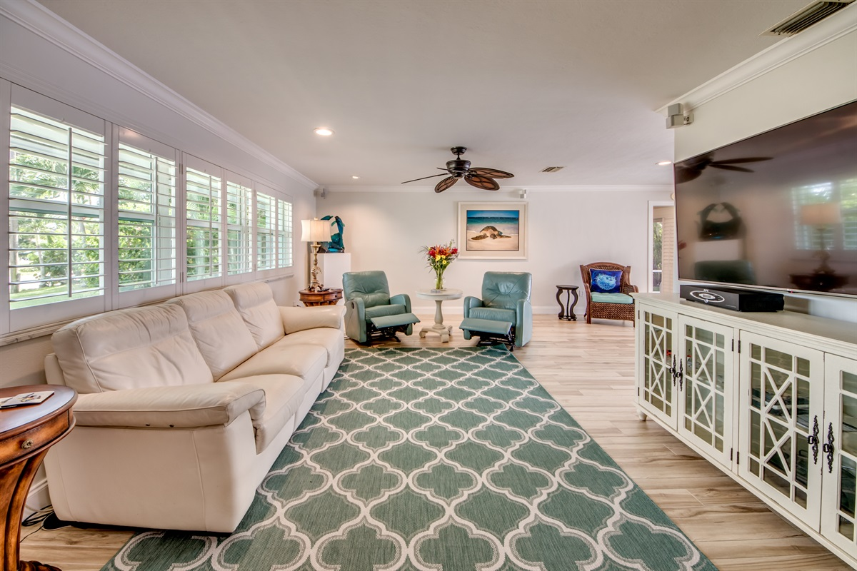 Reclining chairs and Reclining sofa