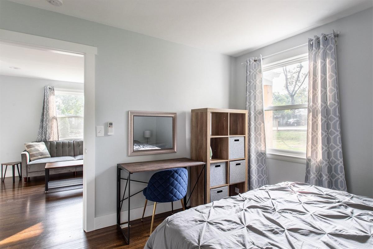 Bedroom w/ Makeup Area / Workspace