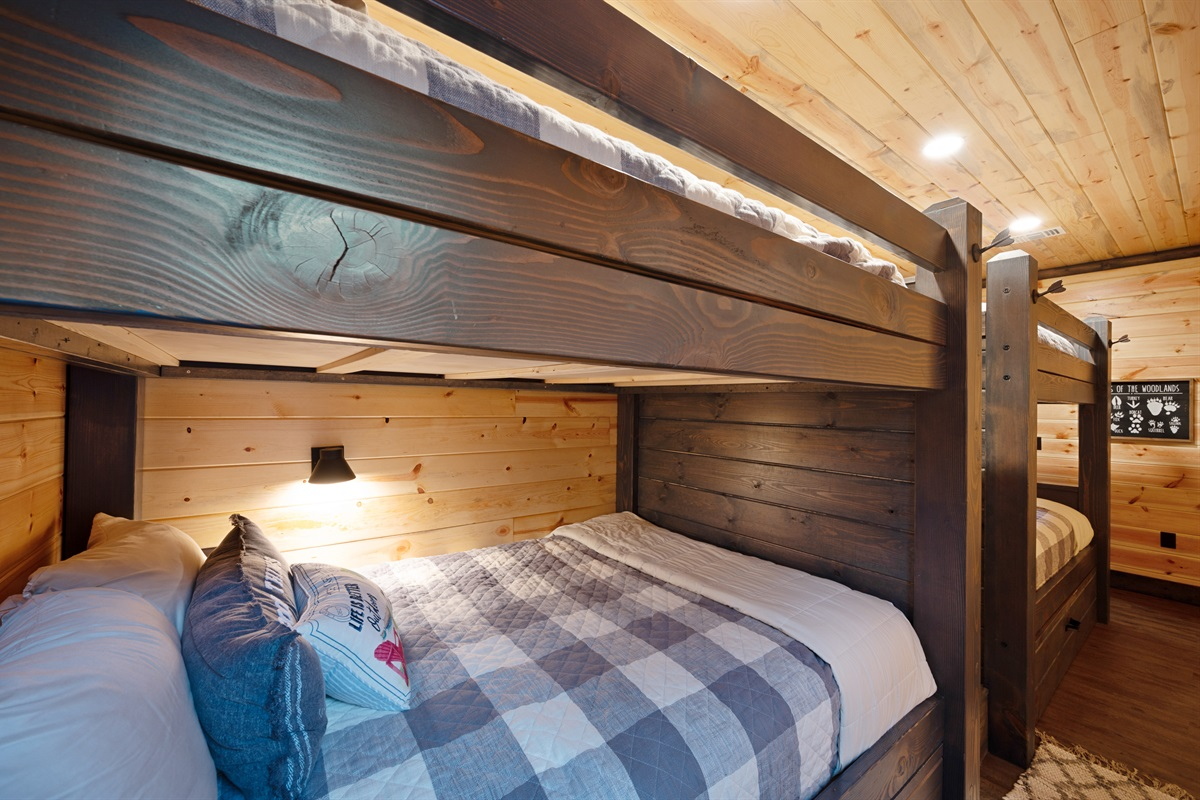 Bunk Room #1 4 Queen Bunks with 2 Twin Trundles