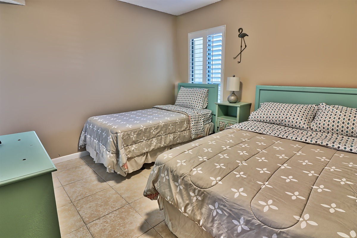 Guest room with 2 beds