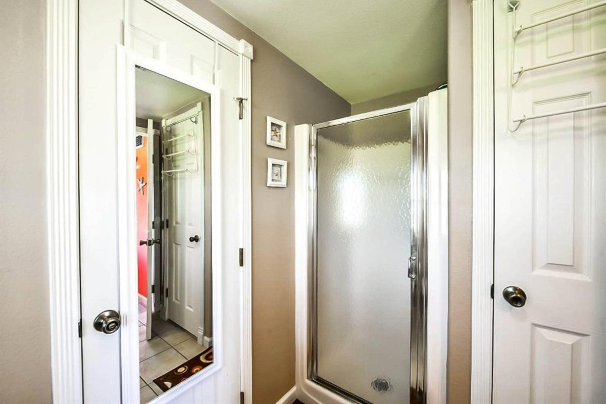 Jack & Jill Bathroom with Shower