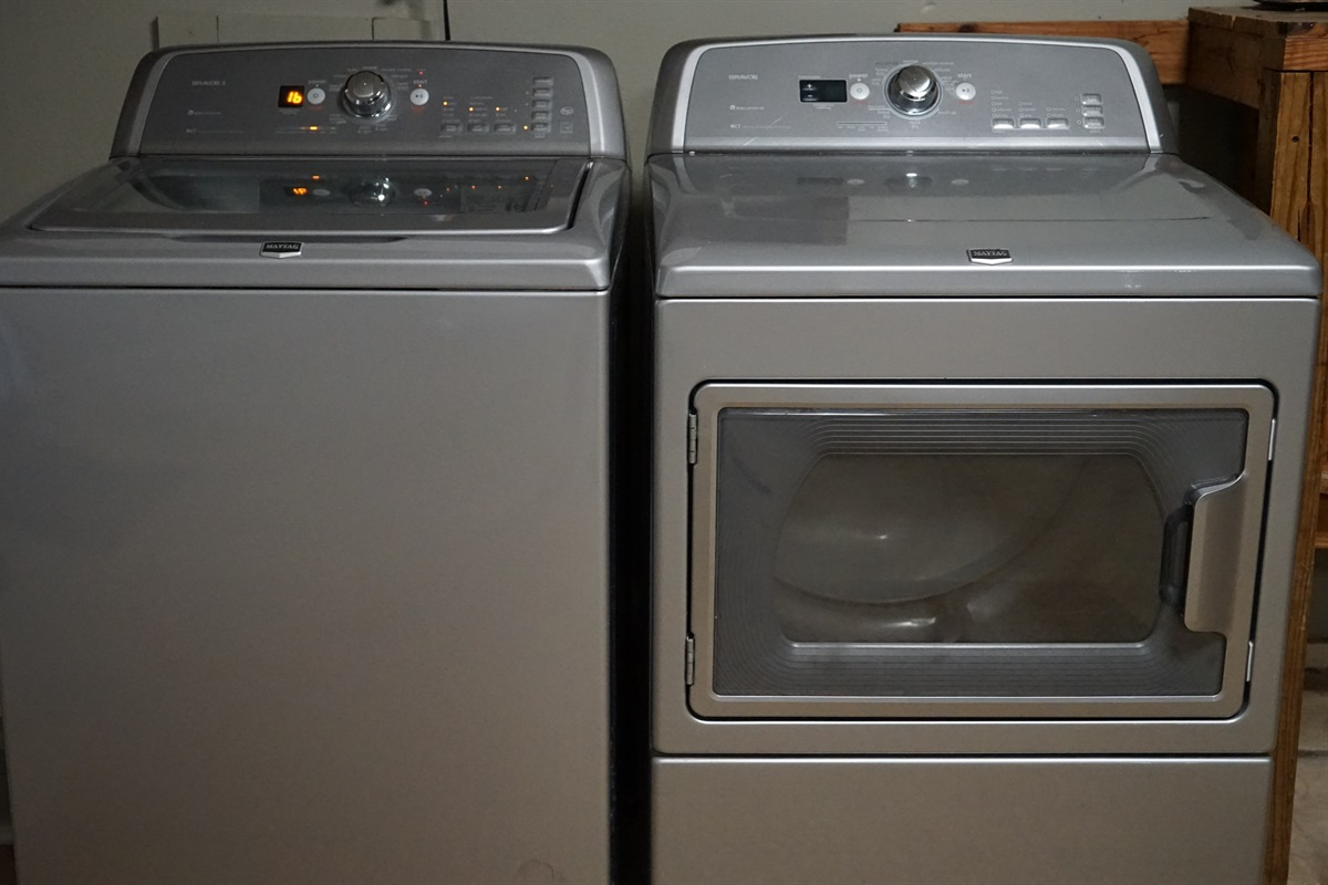 Full size washer & dryer conveniently located in garage