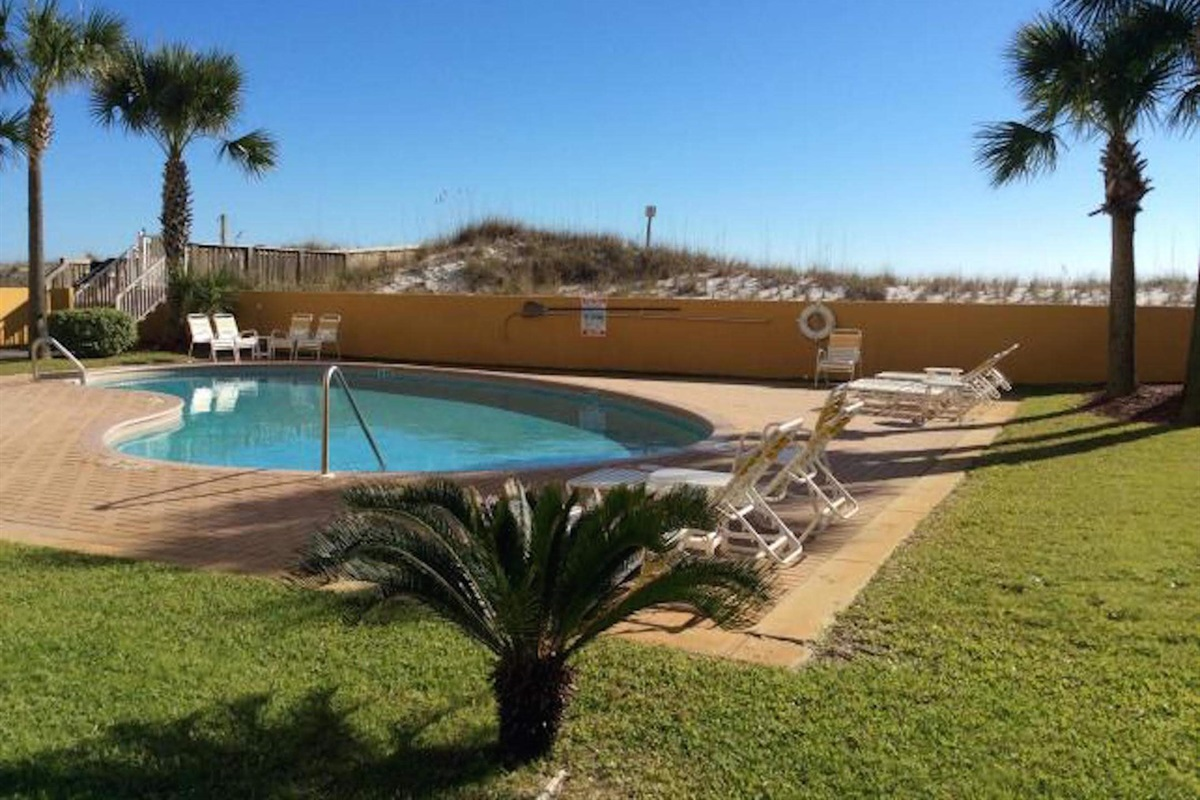 Swimming pool at Dune Pointe