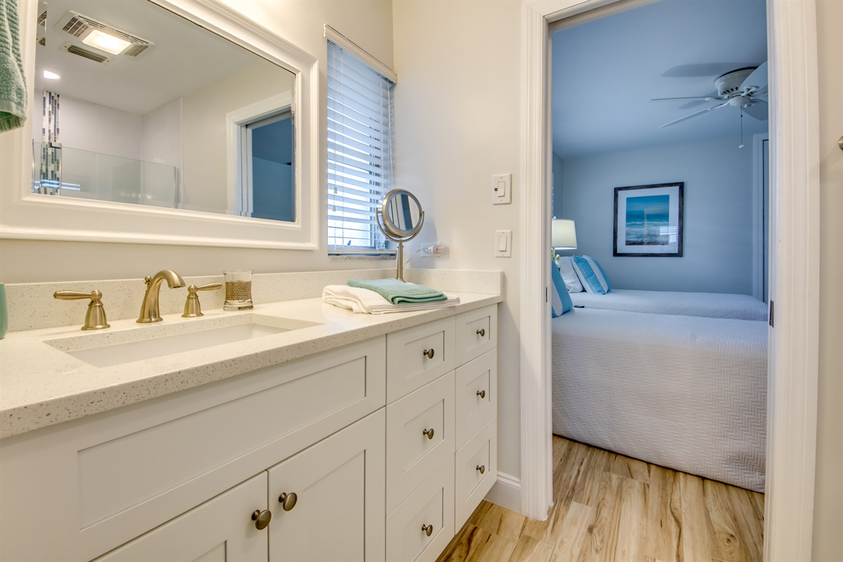 Attached bath to Twin and King