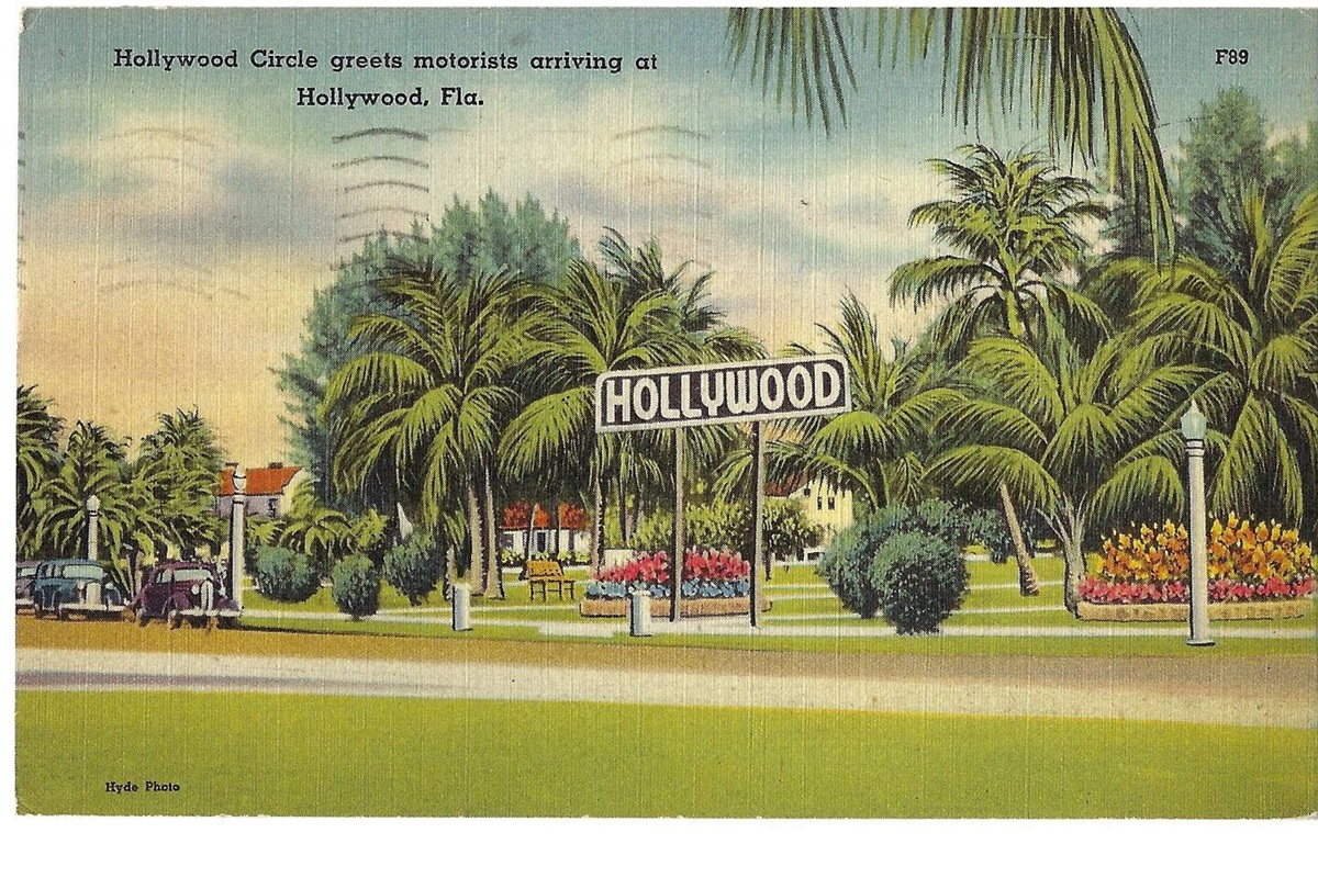 """""""Hollywood Circle greets motorists arriving at Hollywood, Fla."""""""