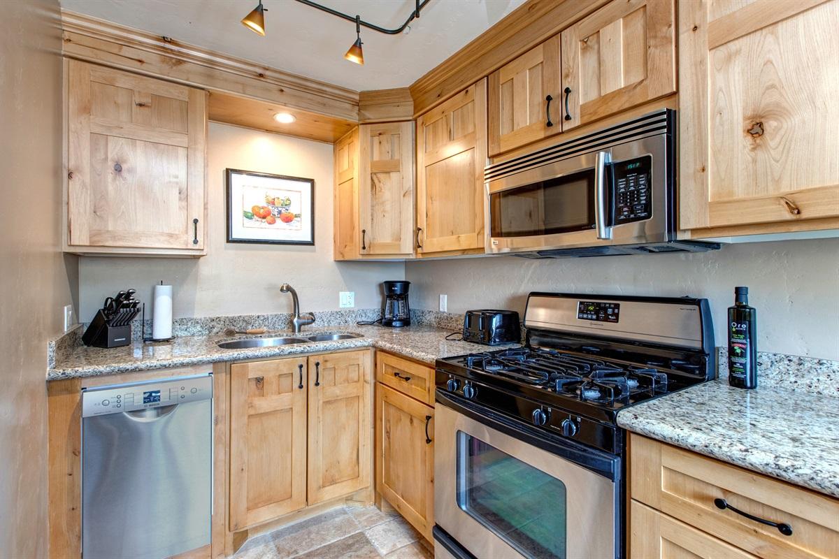 Kitchen - Gas stove/Oven