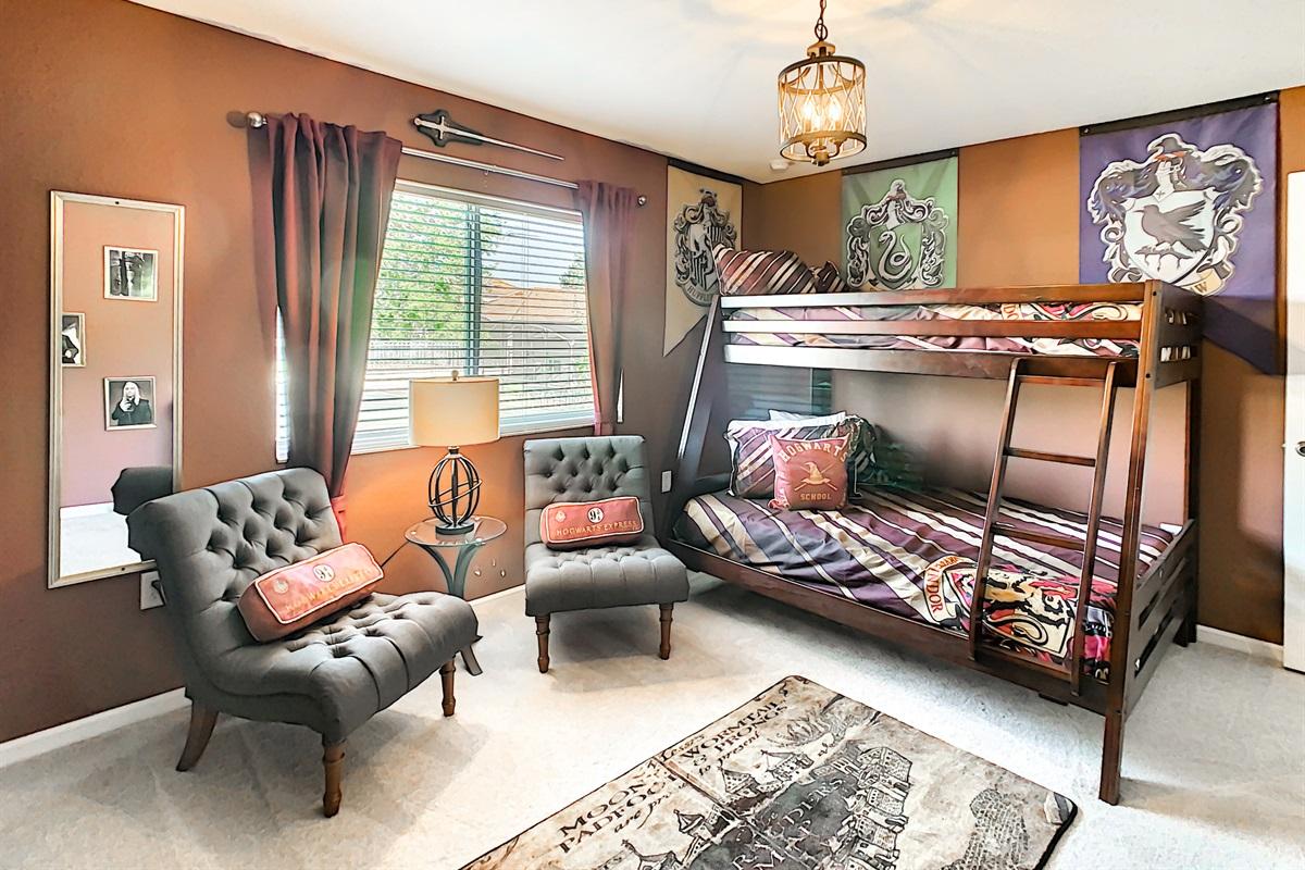 Bedroom #5 - Harry Potter Theme-Bunk Bed (Double & Twin)-2nd Floor