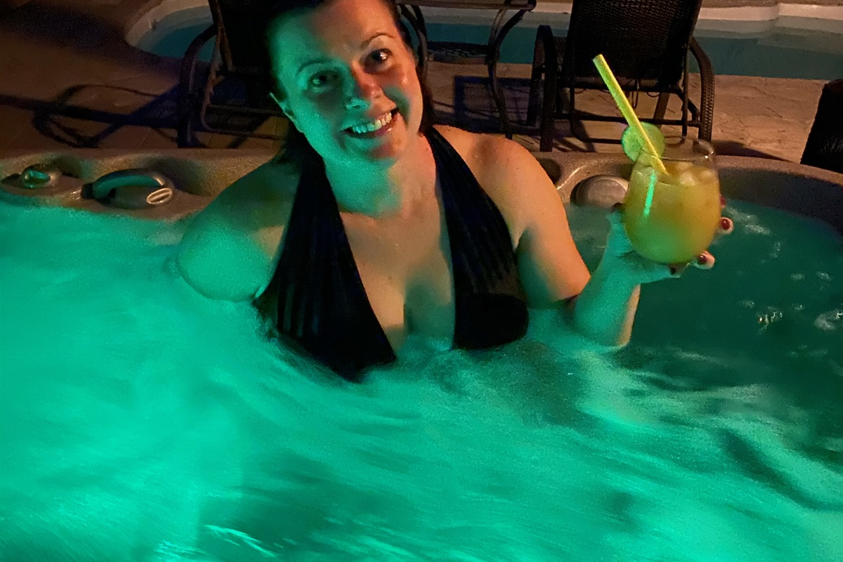 NEW hot tub (November 2020)! Features colored lights and new stereo w/ bluetooth speakers!