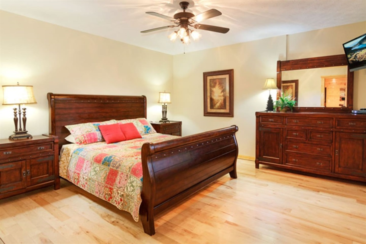 Downstairs King suite with spacious walk-in closet and bathroom.