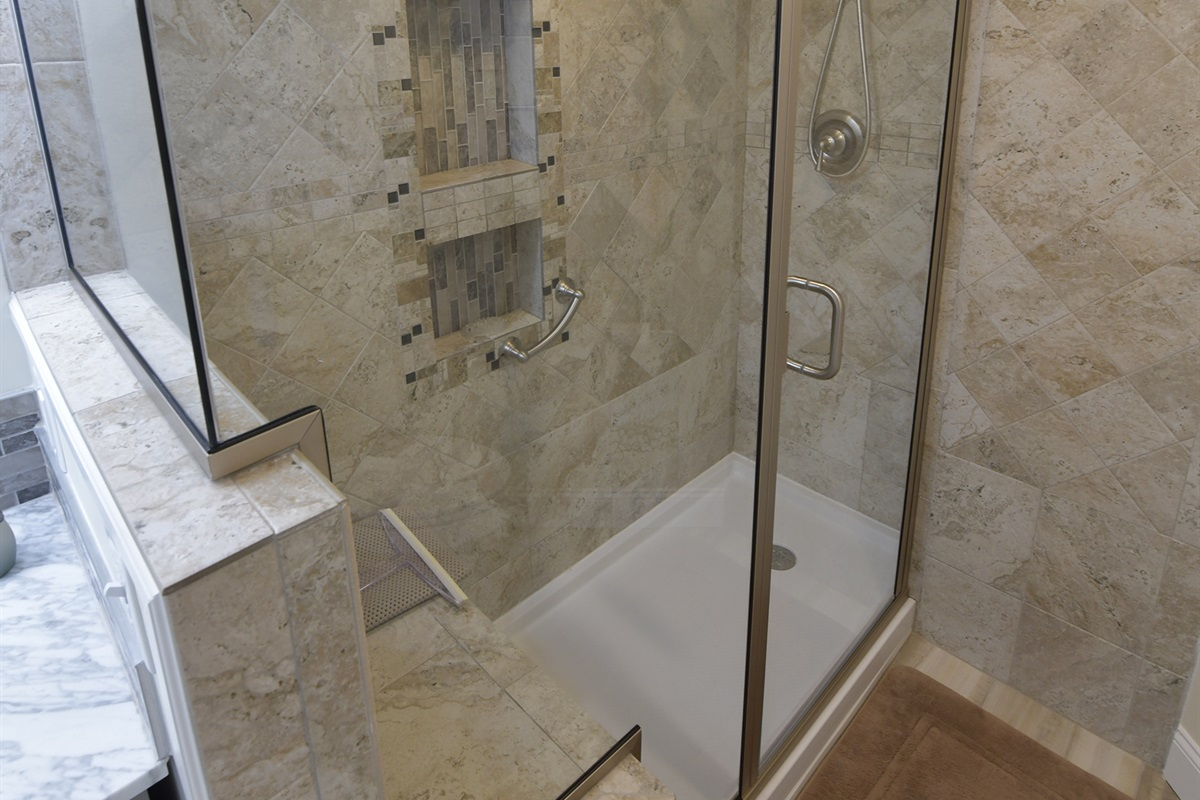 Master Bathroom has Newly Tiled Shower!