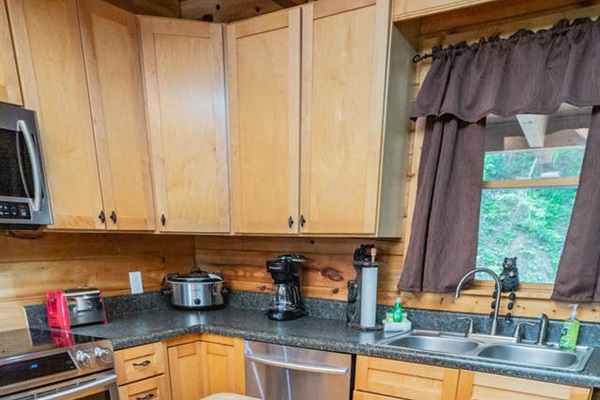 Fully stocked full kitchen