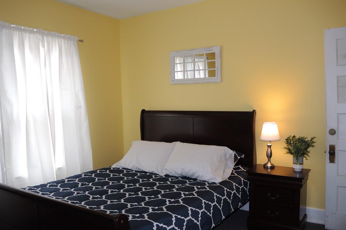 Queen bedroom #3