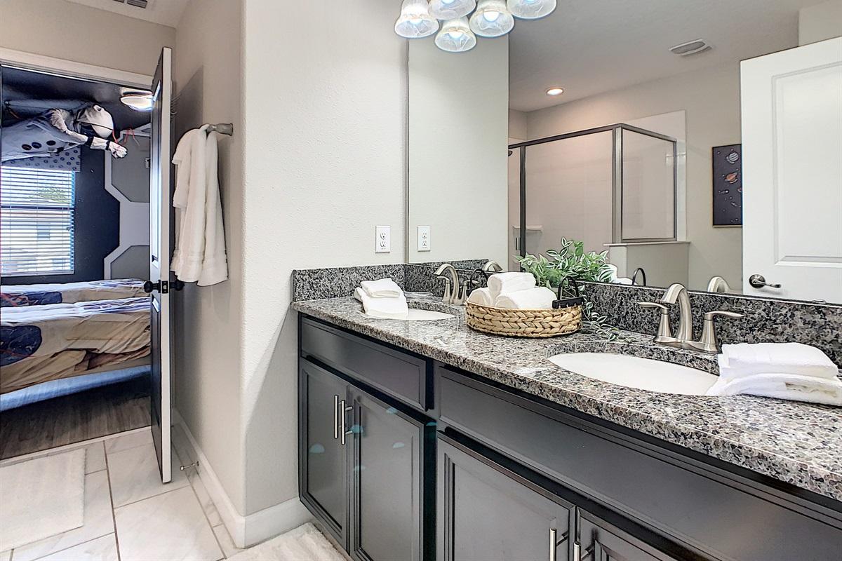 Bathroom Between Bedrooms 5 & 6