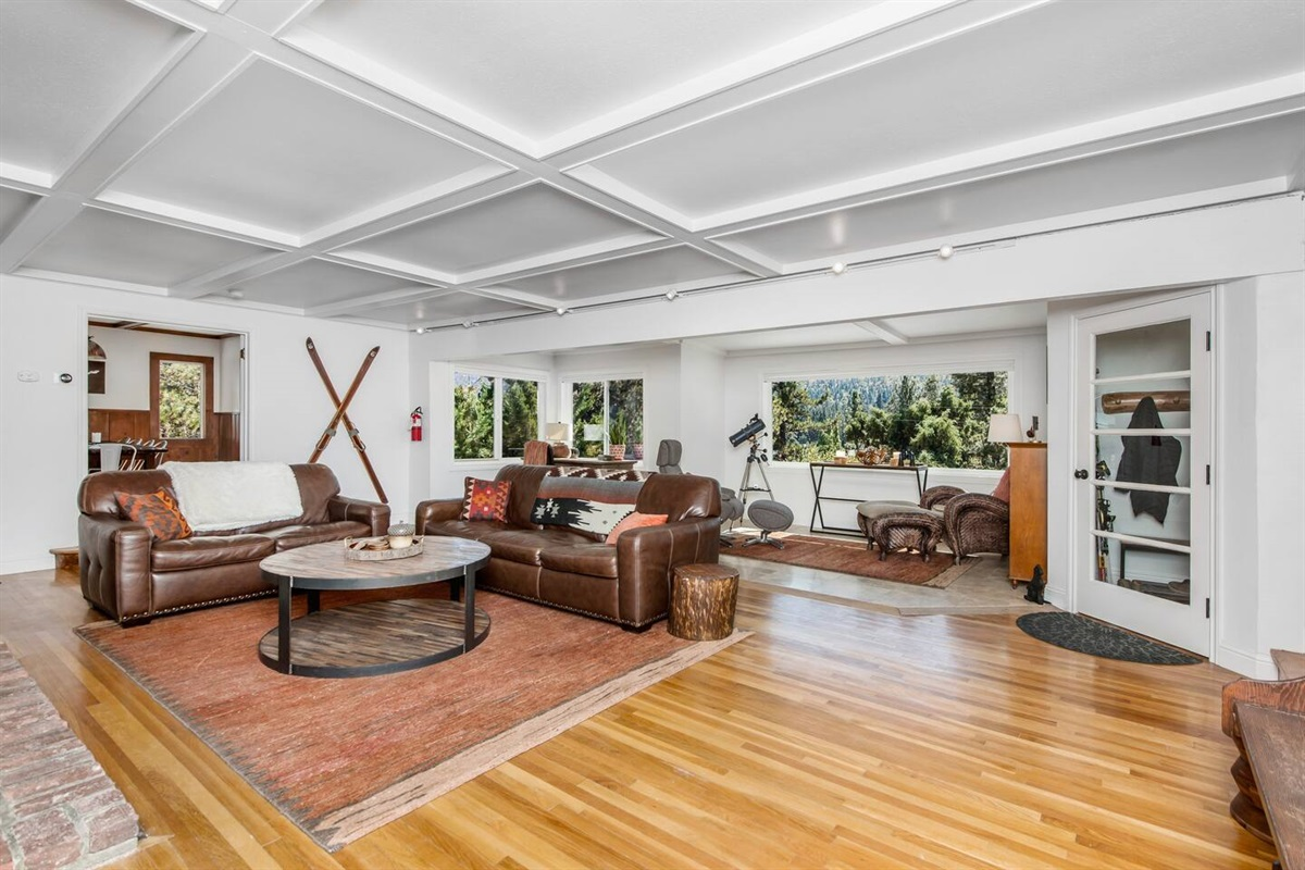 Living Room (Lower Level): There's room for everyone in the spacious living room and lounge.