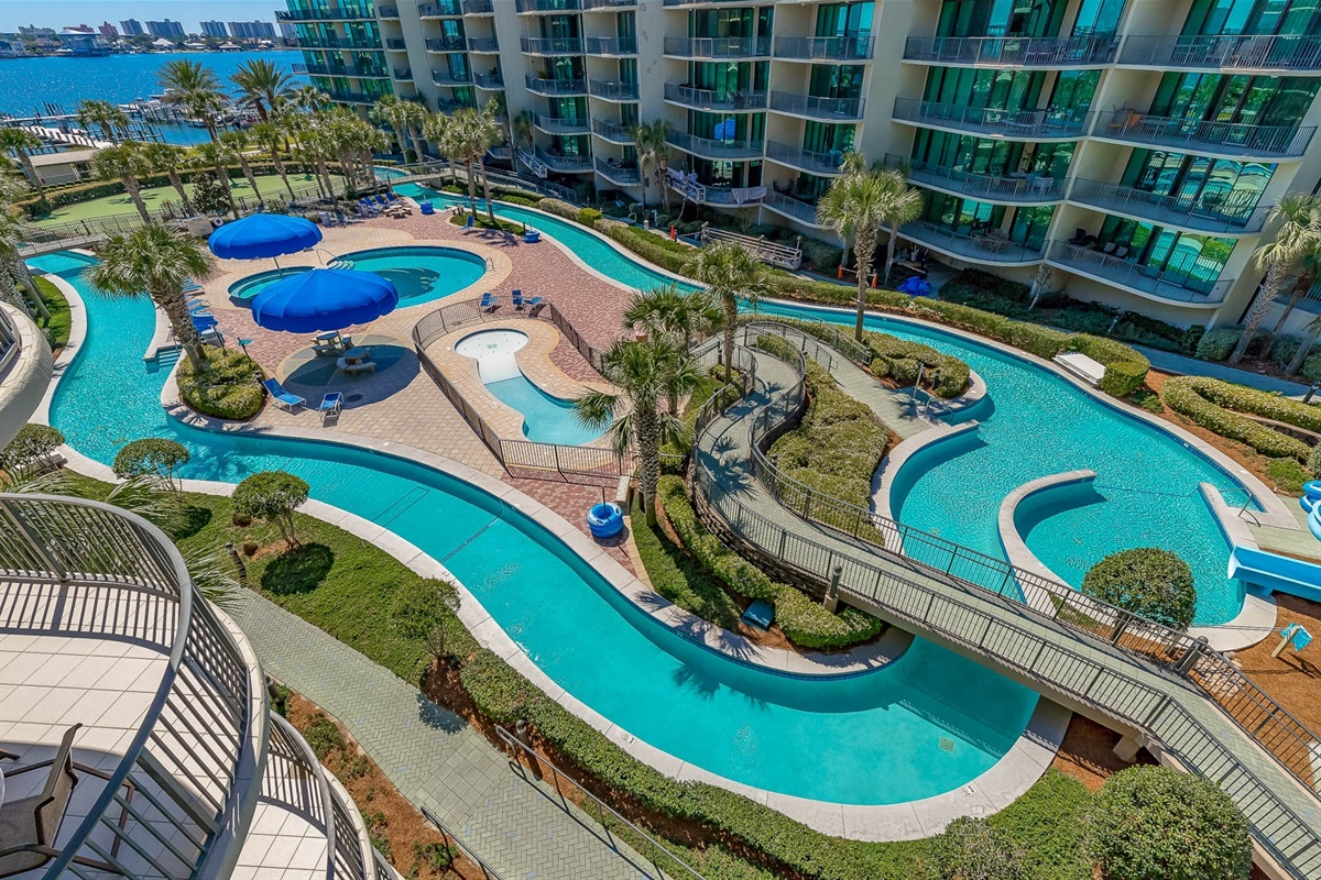 Overall view of the lazy river, beautiful!