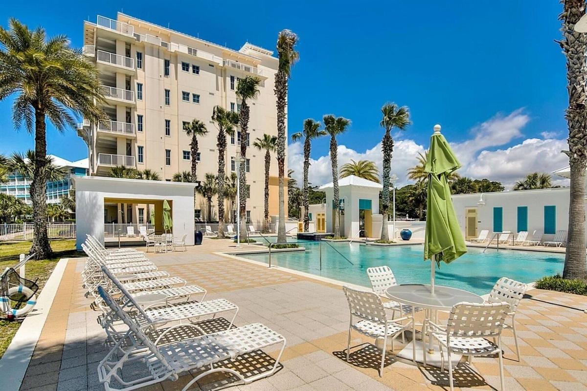 Vegas style Grecian pool