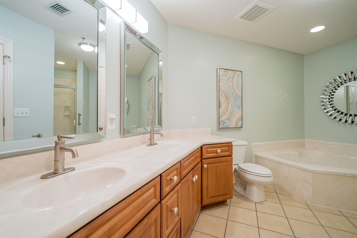 Double sinks in the master bath!